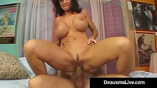 Texas-Cougar-Deauxma-Squirts-From-Her-Creaming-Hot-Pussy!
