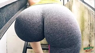 EPIC-Round-HUGE-Ass-with-Tiny-Waist-and-Cameltoe-OMG!