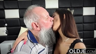 Morning-Breakfast-sex-OLD-and-YOUNG-Teen-gives-a-handjob-fucked-and-cumshot