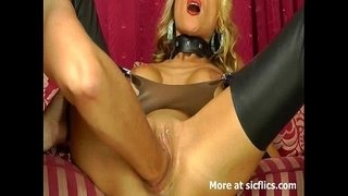 Stunning-blond-loves-huge-fisting-orgasms