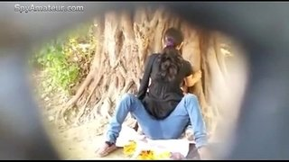 Spying-on-Indian-Couple-fucking-in-Park-on-SpyAmateur.com
