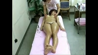 Asian-Babe-in-Spa-Got-Massaged-and-Fingered