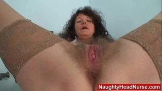 Aged-amateur-mommy-extremly-hairy-twat-self-exam