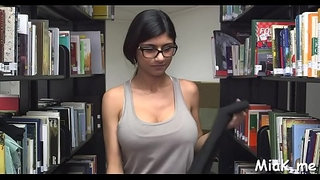 Arab-playgirl-masturbates-in-library