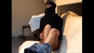 Virgin-arab-girl-trying-lesbian-sex--DARKSOCCER
