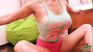 Big-Tits-Big-Ass-Blonde-Teen-Working-Out!-Hot-Cameltoe-Pussy