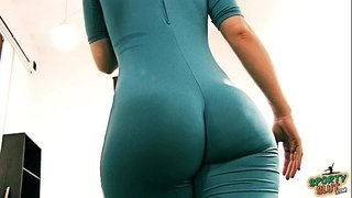 Bubble-Butt-Tiny-Waist-Teen-Has-Big-Cameltoe-In-Lycra-Bodysuit.