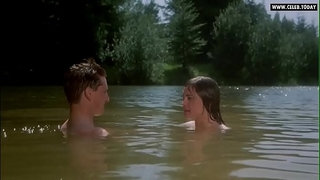 Elizabeth-McGovern---Naked-Swimming,-Outdoor-Public-Sex-Scene---Racing-With-The-Moon-(1984)