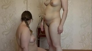 The-girl-licks-her-fat-girlfriend-pussy-and-masturbates-her-dildo