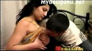 Sexy-and-hot-NRI-girl-shilpa-with-her-brother's-friend
