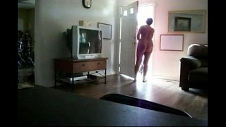 flashing-naked-wife-pizza-boy